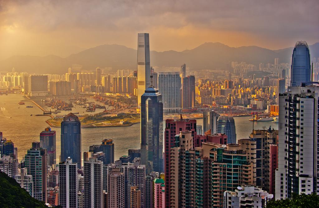 Sir John Cowperthwaite ed il successo economico di Hong Kong